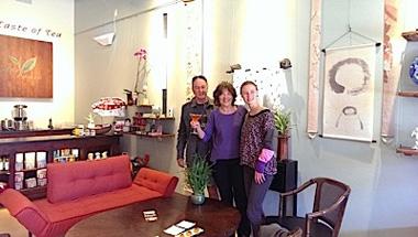3-customers-the-taste-of-tea.jpg