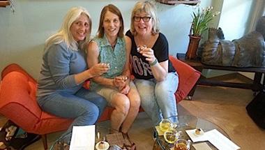 3-girls-at-b-day-the-taste-of-tea.jpg